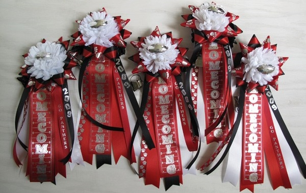 HOMECOMING MUMS