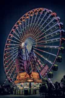 ferriswheel at night